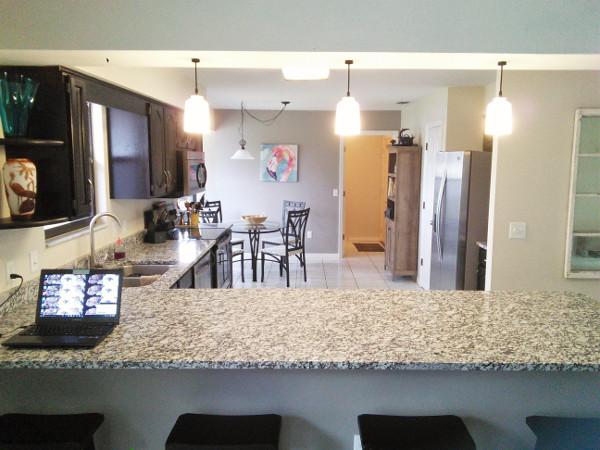 kitchen penisula granite