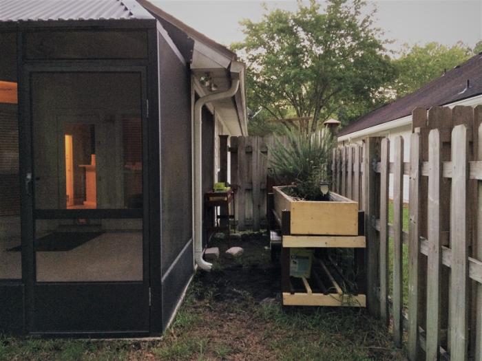 porch side yard